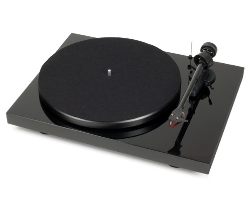 Pro-Ject Debut Carbon DC Turntable with Ortofon Red Cartridge