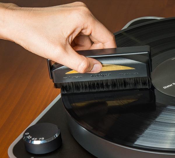 Audioquest Carbon Fiber Record Brush - NEW!