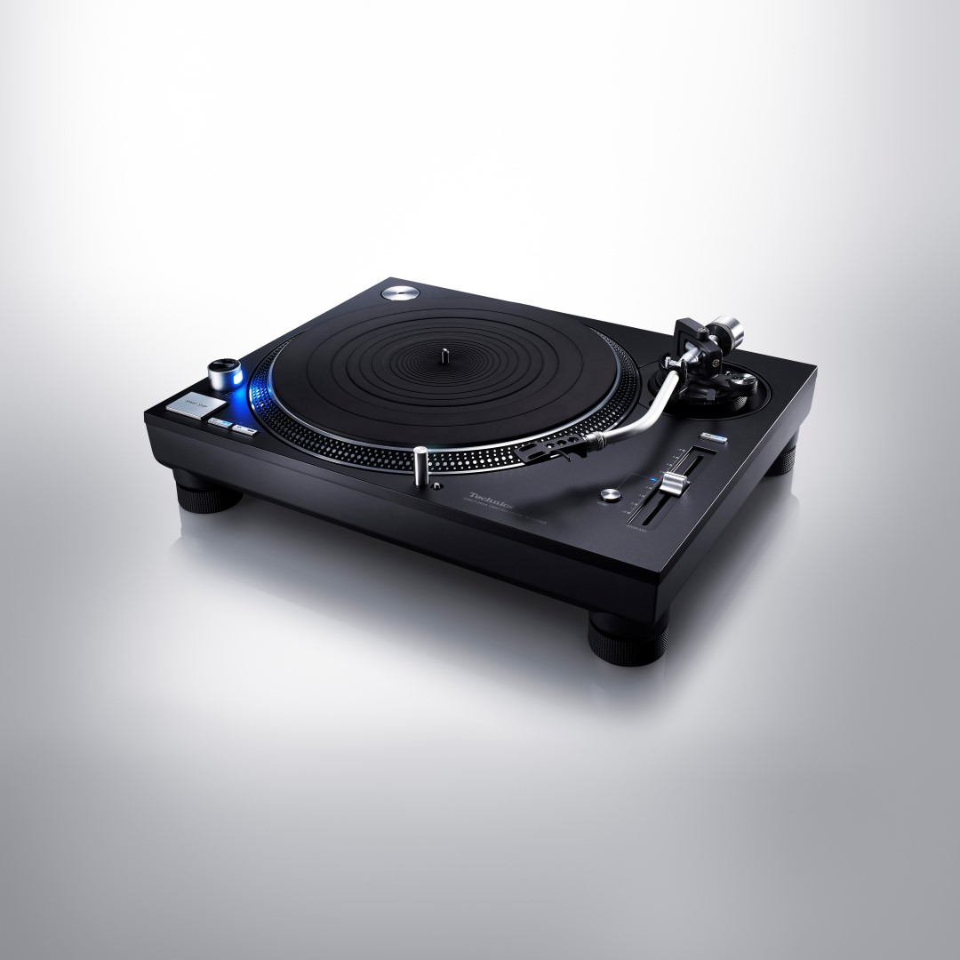 Technics SL-1200GR Direct Drive Turntable - Black Finish